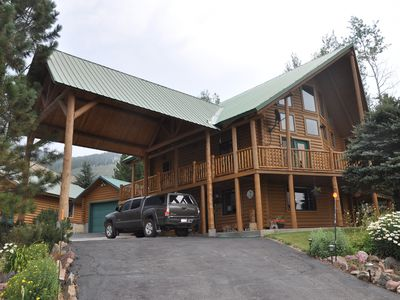 Photo for Yellowstone Park area on Henry's Lake, 1st level of our 3 level cabin. Sleeps 4