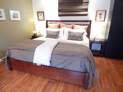 Cal king bed w/luxury linens