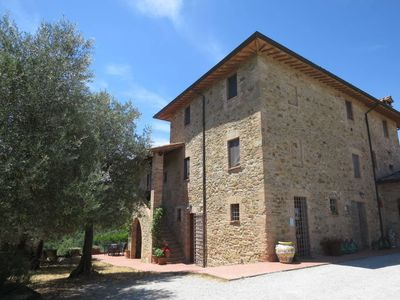 Photo for Apartment La collina fiorita (CDL622) in Lago Trasimeno - 6 persons, 2 bedrooms