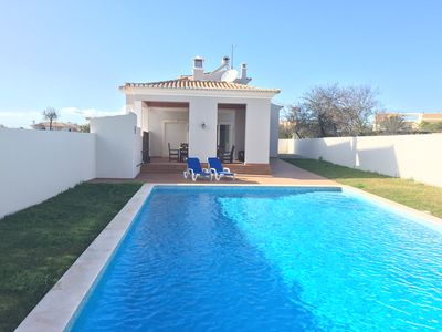 Photo for Centrally located 3 bedroom villa with pool close to the beaches