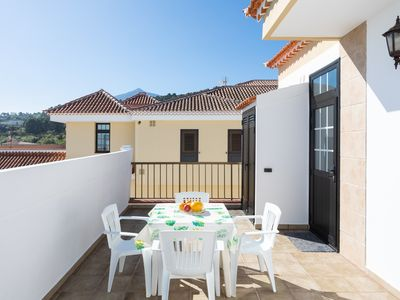 Photo for Beautiful Vingate apartment with terraces and views of the Teide National Park.