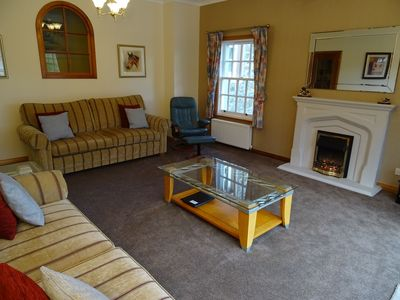 Photo for 4 star accommodation offering a rural retreat 2 miles from Perth. Pets Welcome
