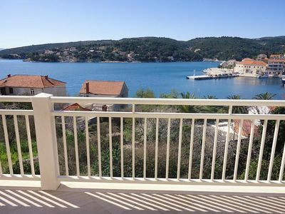 Photo for Two bedroom apartment with balcony and sea view Sumartin, Brač (A-5620-d)