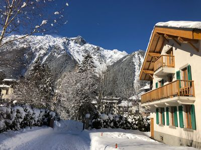 Photo for Central Chamonix, 3 bedroom apartment with private garden & views of Mont Blanc