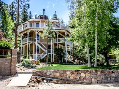 Photo for Gorgeous 10 person Lake house with dock & hot tub ..