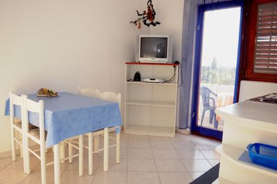 A2 Mali(4): kitchen and dining room