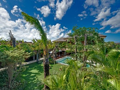 Photo for Perfectly 5BR Luxury Villa by the beach Seminyak