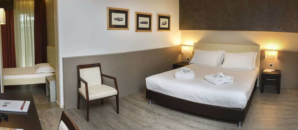 4d59fc1163 Best Western Plus Hotel Modena Resort - Comfort Room, 1 King Bed, Non  Smoking, Patio (with Single Sofabed)