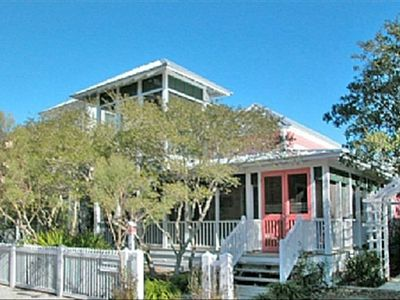 Sisters Three by the Sea Exterior - Cottage Rental Agency Seaside, Florida