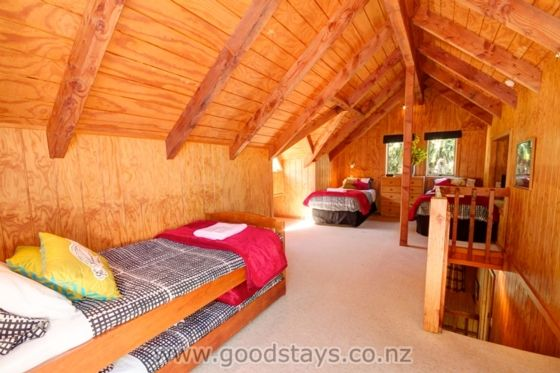 Panoramic views from a classic kiwi holiday home!