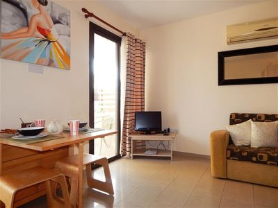 Kyklades Resort DPSBF04 -Colorful One Bed Apartment- WIFI-Communal Pool-Gym-Spa