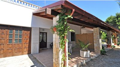 Photo for Villa with large garden in absolute peace (200 meters from the sea)