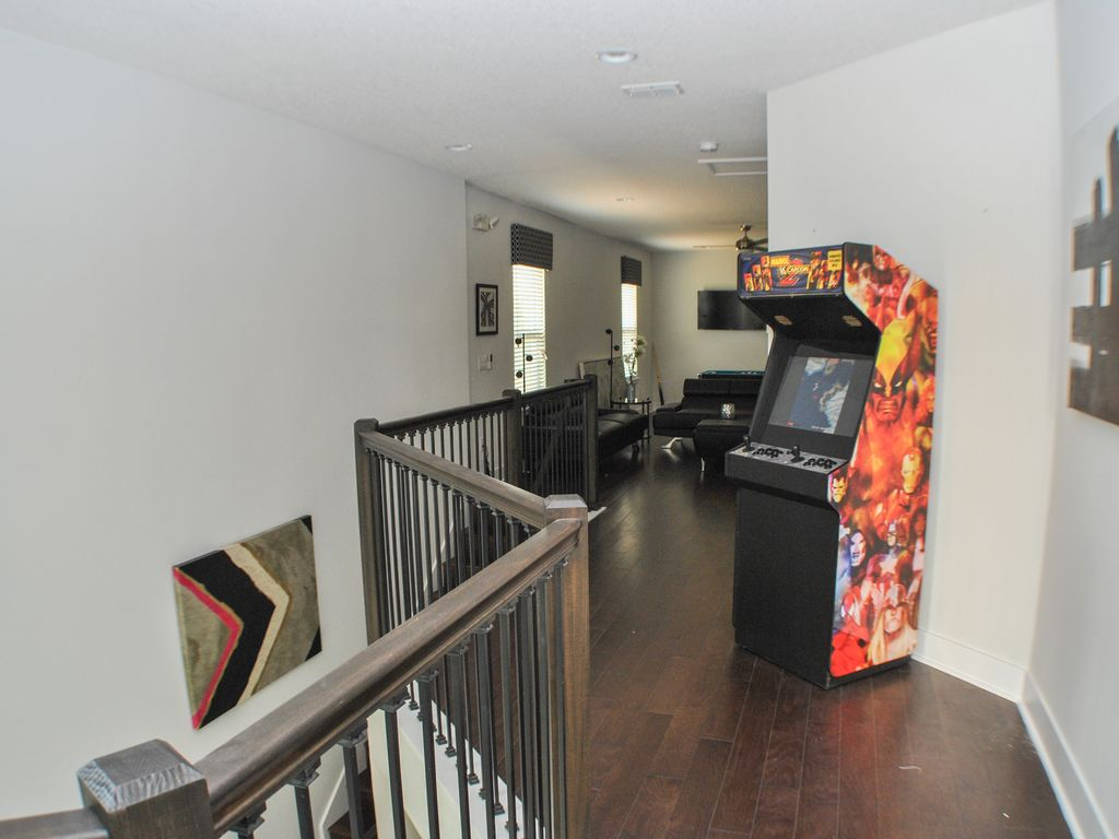 "5 Ensuites, Free Wifi, ""IMAX"" Theater, BBQ, Arcade, Xbox one Golf Views"