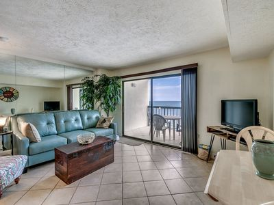Photo for Clean Oceanfront Condo, 7th Floor, Outdoor Pool | Crescent Tower I - 702
