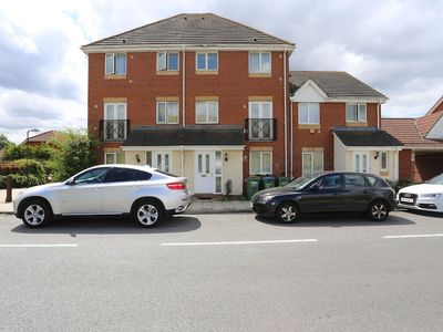 Photo for Beautiful 4 beds Hillview House