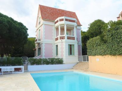 Photo for One bedroom Apartment, sleeps 4 in Cavalaire-sur-Mer with Pool and WiFi