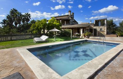 Photo for Vacation home with pool — Casa Deulosal