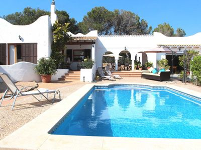Photo for Cozy Mediterranean-style holiday home, just minutes from the Cala Pi beach