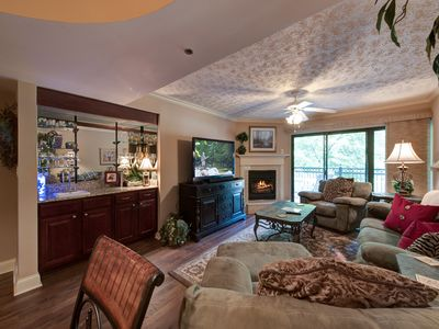 Photo for Roaring Romance, 2 Bedrooms, Sleeps 5, On Creek, Trolley Route