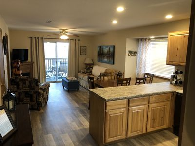 Photo for Walk-In condo next to Table Rock Lake and Silver Dollar City. Indoor Pool & WiFi