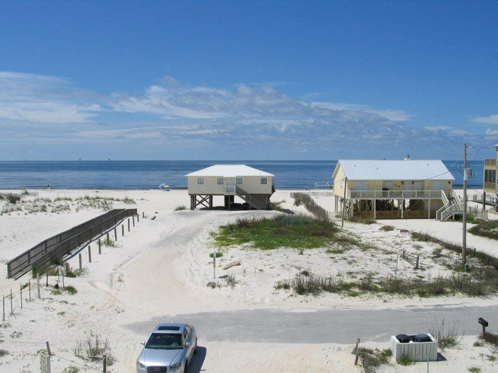 beautiful 2 story beach house in fort morgan area  fort