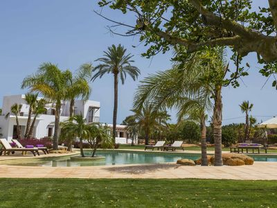 Photo for Es Canar Villa, Sleeps 12 with Pool, Air Con and WiFi