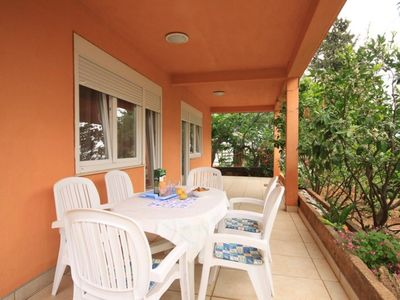 Photo for Three bedroom apartment with terrace Stari Grad (Hvar)