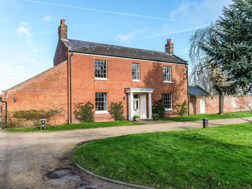 5 Star Grade II Listed Georgian Farmhouse Set In 3.5 Acres In North Norfolk