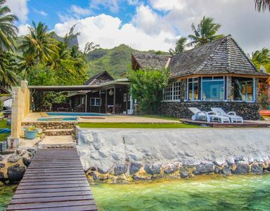 Beachfront 4 Br for 8 Moorea Pool home!
