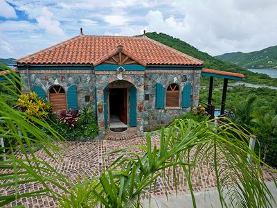 Villa Madeline...Comfortable, relaxing, all around views