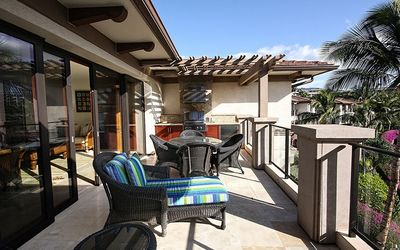Photo for Luxury 3BR condo w/ beachfront access and resort amenities
