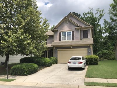 BEAUTIFUL 4-BEDROOM HOME LOCATED NEAR DOWNTOWN, AIRPORT AND TYLER PERRY STUDIOS