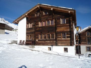 Chalet KLAUDIA 5* Romantic and luxurious  for 12 persons skiing all year long.