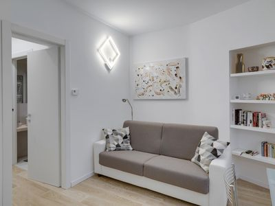 Photo for Unmissable and modern two-room apartment, Porta Venezia, M1