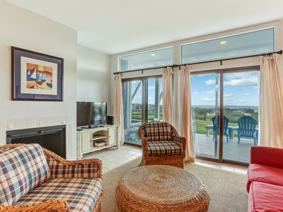 Photo for Oceanfront 3 bed/2 bath 3 level Townhome sleeps 8.  Updated kitchen, pool,  Linens provided.