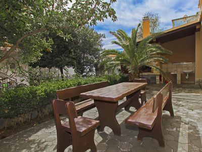 Photo for Maky & Dino A1, 500 m to the beach, 5 people, spacious terrace, free WiFi, BBQ