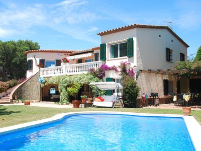 Photo for Great villa near Calonge with several terraces, private swimming pool and garden