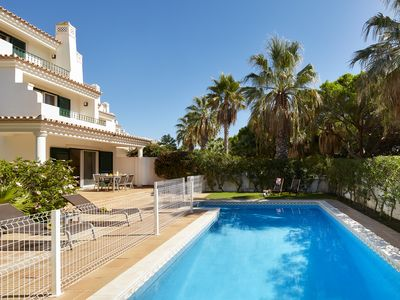 Photo for Villa 3 Bedrooms, Private pool, Tennis, View, Ancão / Quinta do Lago