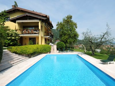 Photo for 8BR Villa Vacation Rental in Roé, Lombardy