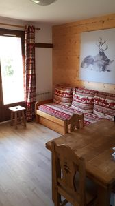 Photo for Apartment at the foot of the slopes, 4/5 people, residence Reine Blanche