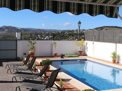 Photo for Beautiful Apartment with large Private Pool & stunning Mountain Views