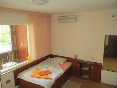 Photo for Cozy quiet studio apartment in central Varna