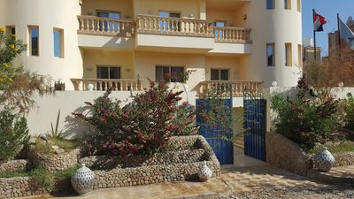 Photo for Beautiful apartment in villa with private pool, jacuzzi and garden with barbecue