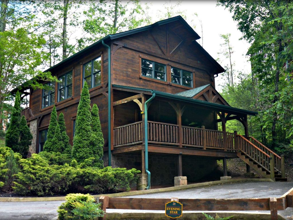 Baita per 10 persone nel gatlinburg 4590910 for Cabina di brezza autunnale gatlinburg
