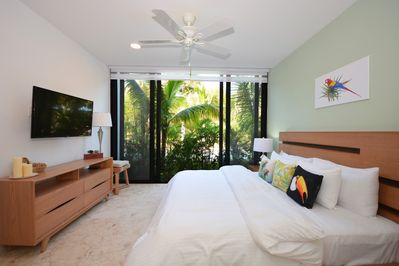 Bedroom 1- Macaw Suite
