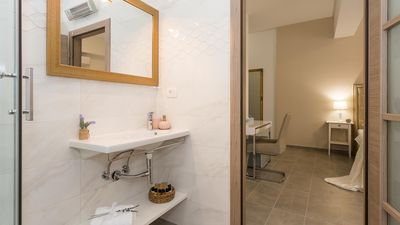 Photo for Luxurious four star room Aria 4 for 2 persons near Trogir centre - EOS-CROATIA