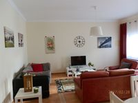 Lovely spacious apartment 2 minutes from beach.