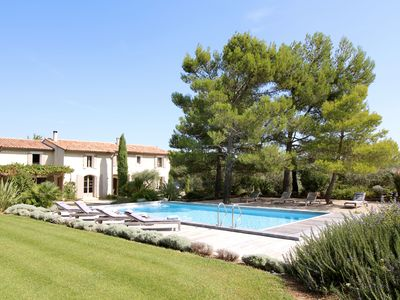Photo for Corner of paradise with beautiful views of the Alpilles