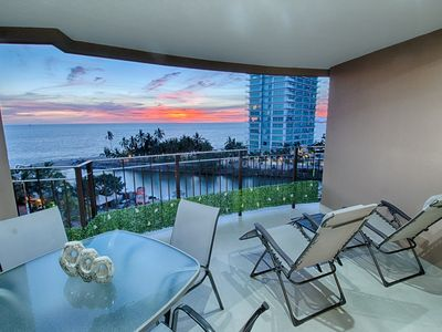 Photo for Beachfront Condo with Cable TV | Access to Pools, Gym, Tennis Court