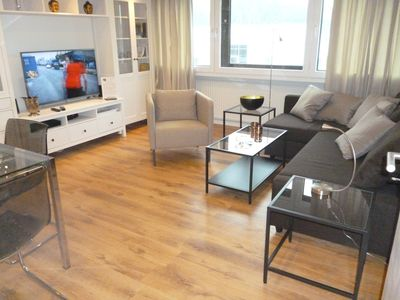Photo for 3-room Comfort apartment, centrally located - just 5km from the airport / Alster, WLAN